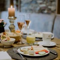Frühstück wie im Urlaub: 5* Hotel Moar Gut / Großarl